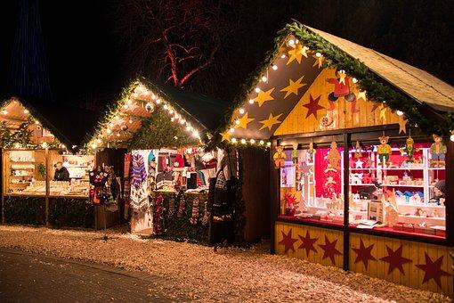 christmas-market-1907032__340.jpg