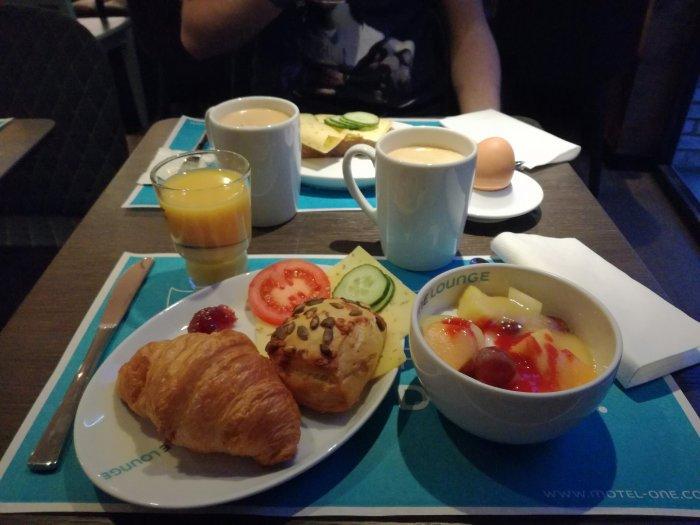Frühstück im Motel One Amsterdam